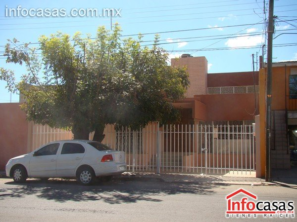 Amplia casa en renta jardines de dgo mexico infocasas com mx for Renta de casas en durango